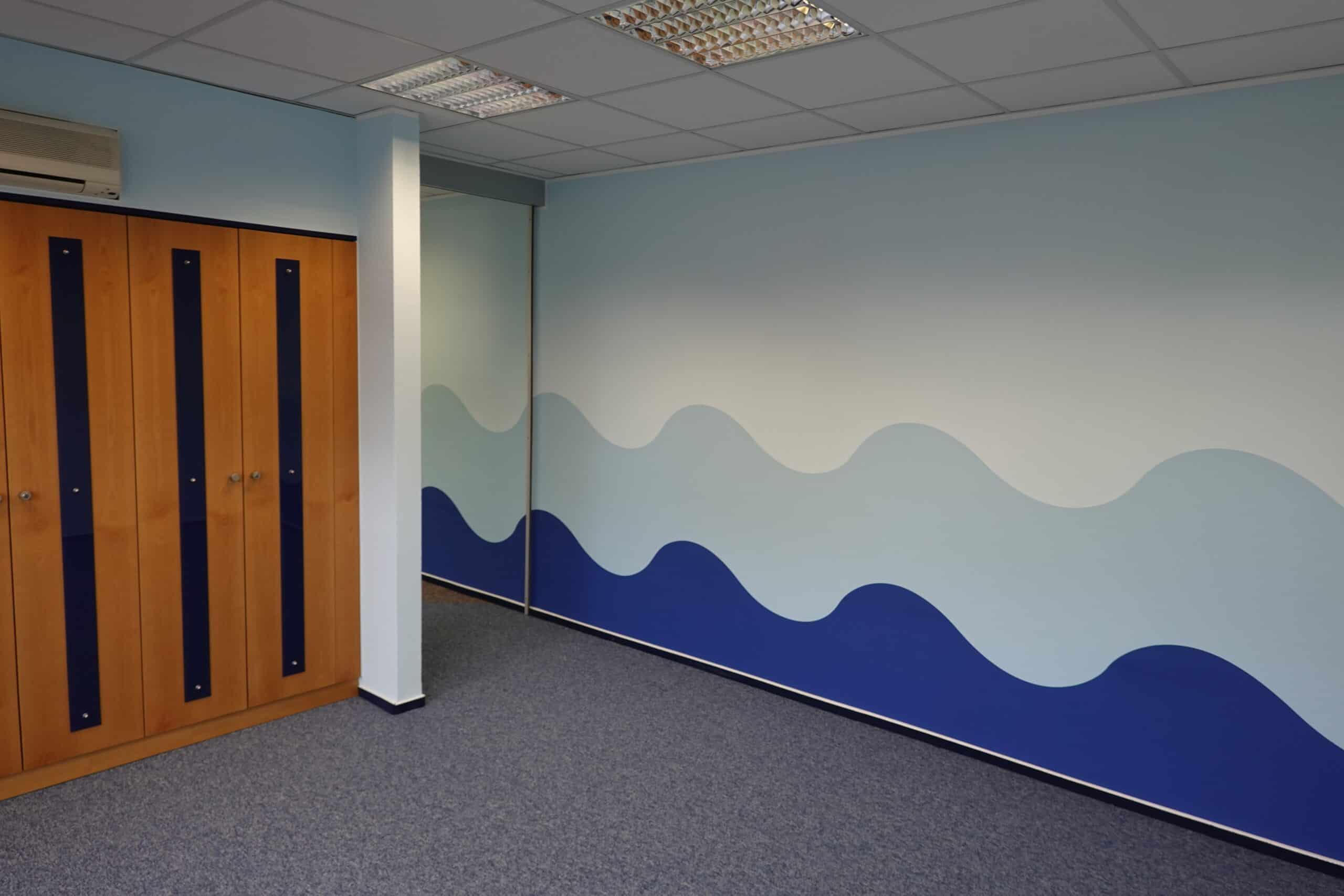 Welle Zeichnung an der Wand